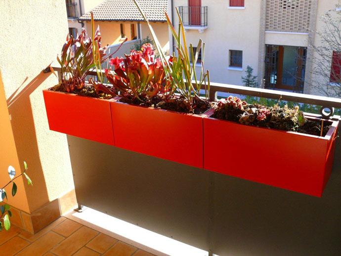 balconette-rosse-con-staffa