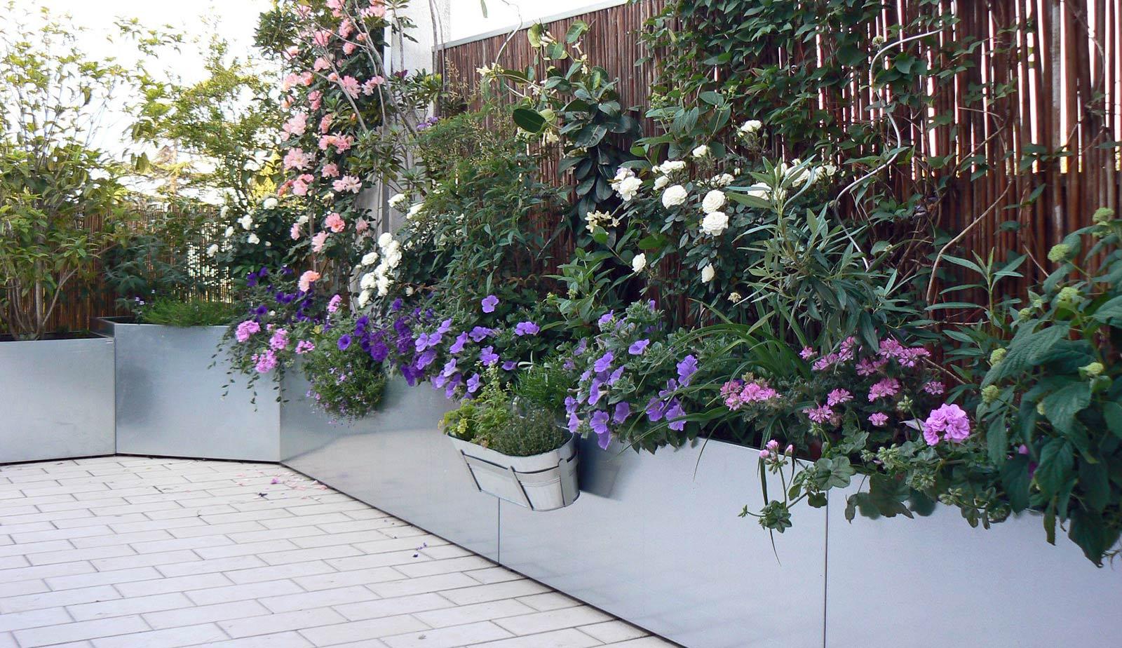 il-mio-terrazzo-con-fioriere-zincate
