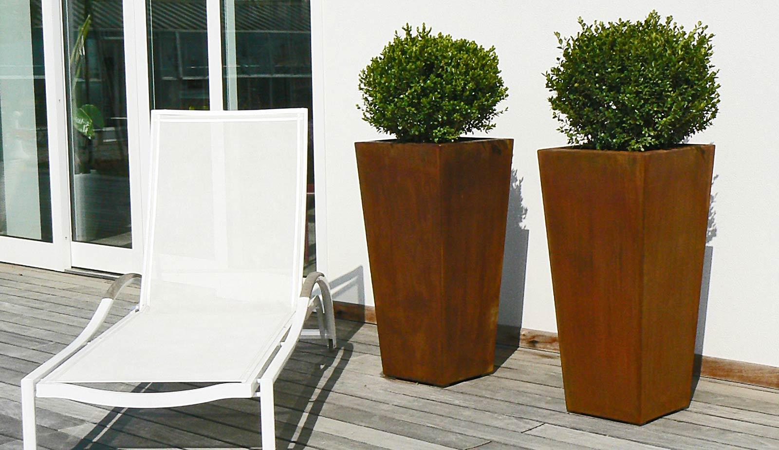 Il giardino di corten con oggetti in ferro per giardino - Oggetti per giardino ...